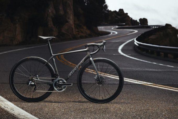 GIANTから新型TCR2020年? 21年? モデルがようやく発表!